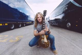 Doug Aldrich abandona Whitesnake